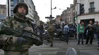 Buru Pelaku Teror Paris, 2 Tewas, Salah Satunya Meledakkan Diri (Reuters)