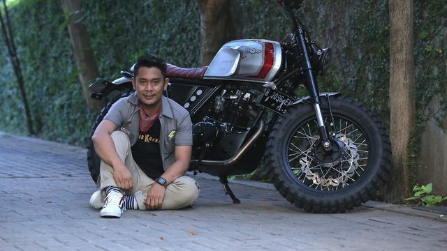 Inilah bengkel yang mendapatkan julukan BUMN alias bengkel umum milik negara. Pasalnya bengkel besutan Andi Akbar sukses menggarap motor custom untuk Jokowi.