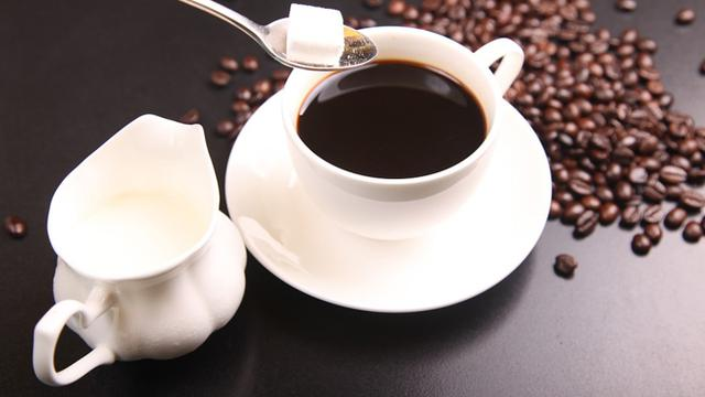 6 Hal yang Bisa Dibubuhkan Ke dalam Cangkir Kopi Selain Gula
