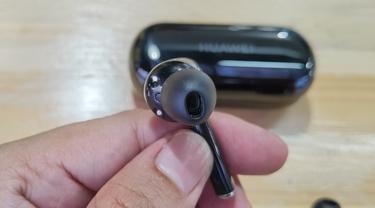 Huawei Freebuds 3i. Liputan6.com/Iskandar