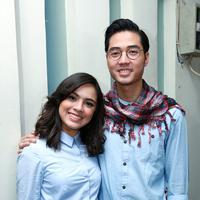 Pasangan yang sebelumnya menjalani masa pacaran ini tidak membuat artis yang dikenal sebagai Jeng Kelin dan suaminya ini mengetahui kebiasaan masing-masing . (Deki Prayoga/Bintang.com)