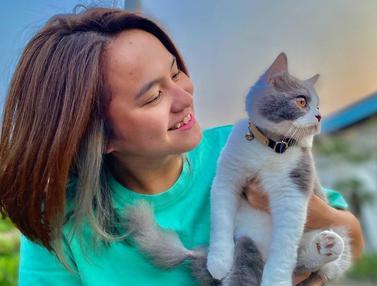 Kebersamaan Melati Daeva Oktavianti dengan Kucing Peliharaan, Bikin Gemas