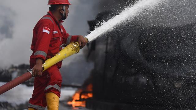 Kebakaran di Kilang Minyak Balongan