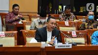 Ketua Komnas HAM Ahmad Taufan Damanik mengikuti Rapat Dengar Pendapat (RDP) dengan Komisi III di Kompleks Parlemen, Senayan, Jakarta, Selasa (6/4/2021).Rapat juga membahas komitmen Komnas HAM, dan perkembangan penyelesaian kasus selama 5 tahun terakhir. (Liputan6.com/Angga Yuniar)