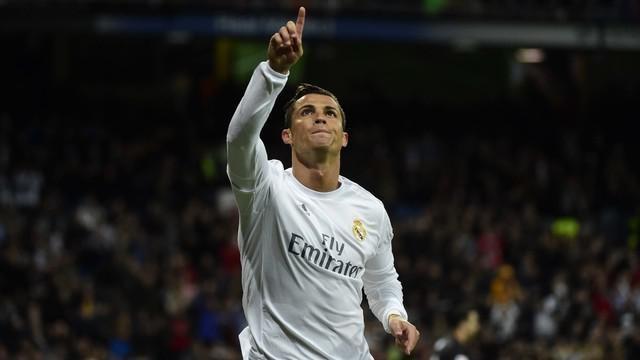 Video highlights La Liga antara Real Madrid melawan Sevilla yang berakhir dengan skor 4-0, Senin (21/3/2016) dini hari WIB. Trio BBC menggila dengan mencetak masing-masing satu gol.