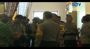 Selain sebuah rumah sakit, kelompok kriminal bersenjata juga membakar fasilitas milik PT Freeport Indonesia lainnya di Kampung Banti, yaitu sebuah sekolah.