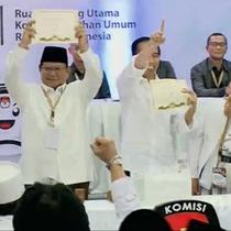 Pasangan capres-cawapres Joko Widodo-Ma'ruf Amin mendapatkan nomor urut 1 untuk Pilpres 2019. Sedangkan pasangan Prabowo Subianto-Sandiaga Uno mendapat nomor urut 2.