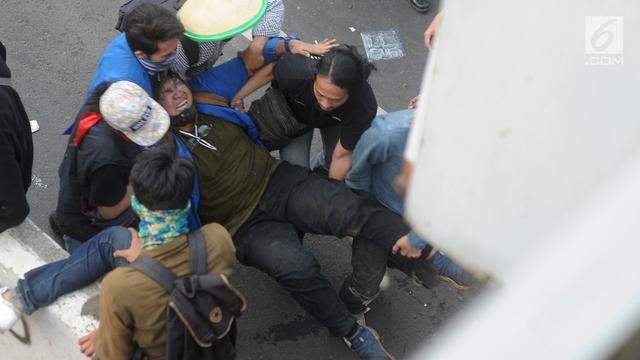 Mereka yang Tumbang dalam Demo Mahasiswa di DPR