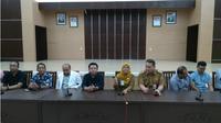 Konferensi pers dengan tim dokter usai mengoperasi pasien obesitas Titi Wati. (Liputan6.com/Rajana K)