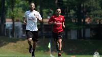 Gonzalo Higuain terpikat dengan besarnya keinginan AC Milan terhadap dirinya. (Twitter AC Milan)