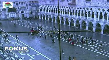 Kota Venesia kerap dipadati pejalan kaki yang memenuhi area jalanan sempit. Untuk mengatasinya, pemerintah setempat gunakan laser untuk mengatur lalu lintas manusia.