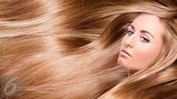 Bosan dengan permasalahan rambut lepek? Yuk aplikasikan dry sampo buatan sendiri. (Foto: Istockphoto)