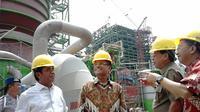 Saleh Husin Kunjungi Pabrik Kertas OKI di Palembang (Nefri Inge/Liputan6.com)