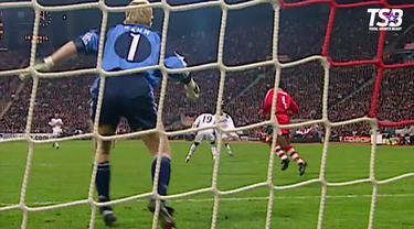 Berita video berandai-andai bila tim Tottenham Hotspur musim 2018-2019 bertemu dengan Bayern Munchen era 2000-2001, siapa yang akan menjadi pemenang?