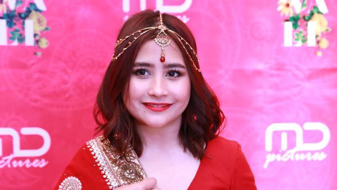 Hadiri Diwali, Prilly Latuconsina Tampil Cantik dengan Busana India
