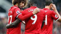 Marouane Fellaini dan Romelu Lukaku dikabarkan mengalami cedera. (AP/Martin Rickett)