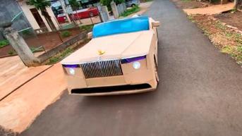 Kreatif, Pemuda Ini Bikin Replika Rolls-Royce Boat Tail Berbodi Karton