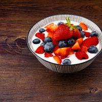 Yoghurt | unsplash.com/@wesual dan unsplash.com/@foodbymars