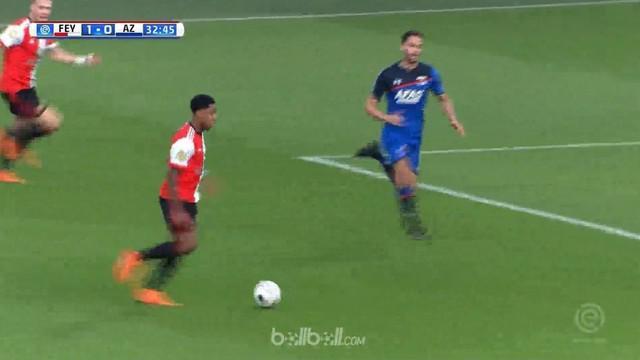 Juara bertahan Liga Belanda Feyenoord menundukkan AZ Alkmaar 2-1 di kandang dengan dua gol spektakuler. Gol pertama tercipta lewat...