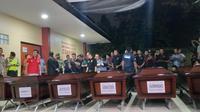 Peti jenazah korban Lion Air yang akan diserahkan kepada keluarga. (Liputan6.com/Ika Defianti)
