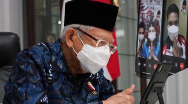Wakil Presiden (Wapres) Ma'ruf Amin turut mengucapkan selamat kepada segenap Kontingen Indonesia secara langsung melalui panggilan video (video call) yang tersambung melalui gawai Rosan P. Roeslani, Chef de Mission Indonesia untuk Olimpiade Tokyo 2020.