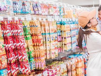 Chealsea Olivia kerap kali terlihat kompak dengan sang buah hati, Nastusha Olivia. (Liputan6.com/IG/chelseaoliviaa)