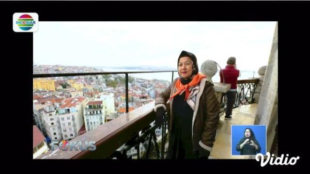Ngabuburit bisa kita lakukan dengan menaiki Menara Galata atau melayari Selat Bosphorus.