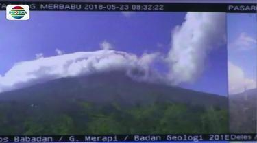 Letusan freatik Gunung Merapi kembali terjadi dini hari tadi meski dengan jeda lebih panjang. Gelombang pengungsian warga yang tinggal dalam radius 5 kilometer dari kawah gunung di Sleman mulai terlihat.