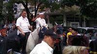 Deddy Mizwar dan Dedi Mulyadi mendaftar diri di KPUD Jawa Barat. (Liputan6.com/Kukuh Saokani)