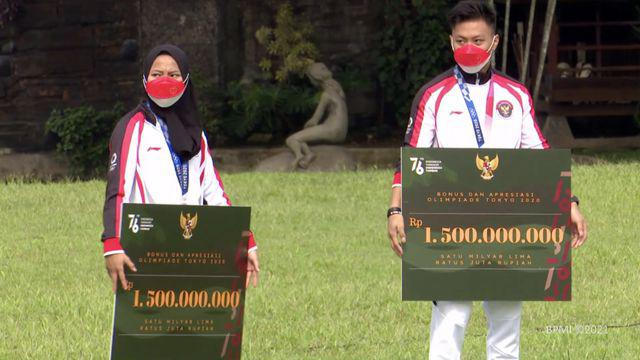Presiden Joko Widodo atau Jokowi terima atlet-atlet yang telah berjuang di ajang Olimpiade Tokyo 2020. Jokowi pun berikan bonus dan hadiah bagi seluruh atlet dan yang tim yang terlibat dalam perhelatan internasional tersebut.