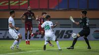Gelandang Borneo FC, M. Sihran H. Amarullah mencetak gol pertama tim dalam laga pekan pertama BRI Liga 1 2021/2022 antara Borneo FC melawan Persebaya Surabaya di Stadion Wibawa Mukti, Cikarang, Sabtu (04/09/2021) WIB. (Bola.com/Bagaskara Lazuardi)