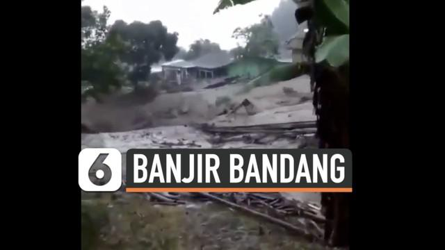 Musibah banjir bandang menerjang kawasan Gunung Mas Cisarua Bogor hari Selasa (19/1). Warga panik berlarian untuk selamatkan diri.