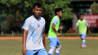 Eks striker PSMS, Saktiawan Sinaga, mencoba mengadu nasib di Persib B yang akan disiapkan untuk Liga 2 2019. (Bola.com/Erwin Snaz)