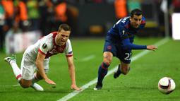 Joel Veltman sukses mengantar Ajax merebut tiga gelar Eredivisie musim 2012/2013, 2013/2014 dan terakhir 2018/2019. Ia juga turut mengantar Ajax sebagai runner-up Liga Europa 2016/2017 usai dikalahkan Manchester United di partai final. (AFP/Paul Ellis)