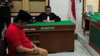 Pria 38 tahun itu dijatuhi hukuman mati karena terbukti bersalah mengirimkan narkotika ke Medan