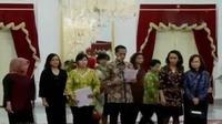 Bareskrim Polri geledah Kantor Pertamina Foundation di Jakarta Selatan, hingga penyerahan 8 nama hasil seleksi Capim KPK.