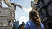Universal Studio Orlando akan memboyong sejumlah karakter film keluarga favorit seperti Harry Potter, Jurassic World dan Minions untuk tampil bersama. (Foto: @universalorlando)