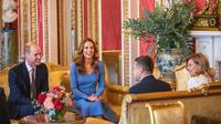 Pangeran William dan Kate Middleton saat menerima Presiden Ukraina (Dok.Instagram/@kensingtonroyal/https://www.instagram.com/p/CGCuAlHFGJ5/Komarudin)