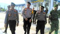 Ulah Kapolres Bombana  AKBP Andi Adnan Syafruddin mengizinkan dua orang pejabat utama Kabupaten Bombana memakai seragam anggota Polri membuat Kapolda Sulawesi Tenggara, Brigjen Pol Iriyanto bereaksi. (Liputan6.com/Ahmad Akbar Fua)