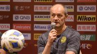 Pelatih Ceres-Negros, Risto Vidakovic, menilai pertandingan melawan Bali United bakal lebih sulit tanpa dukungan suporter. (dok. Ceres-Negros)