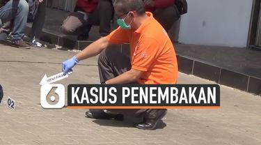 Tim Inafis bersama Satreskrim Polres Majalengka, Jawa Barat, melakukan olah TKP kasus penembakan yang dilakukan anak Bupati Majalengka berinisial IN. Ia menembak seorang kontraktor gegara ditagih utang proyek.