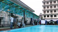 Hotel kolam berenang air asin ini merupakan yang pertama di Kota Medan, bahkan di Sumatera Utara (Sumut)