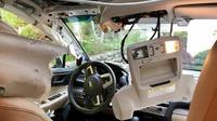 Kabin  Subaru Forester rusak karena dirusak beruang. (NBC)
