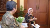 Menteri Ketenagakerjaan, Ida Fauziyah berdiskusi dengan Duta Besar Republik Korea untuk Indonesia, Kim Chang-beom, di Kantor Kemnaker, Jakarta, Kamis (14/11).