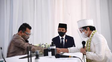 Jadi Saksi Nikah, Ini Potret Jokowi dan Prabowo di Akad Nikah Atta Aurel