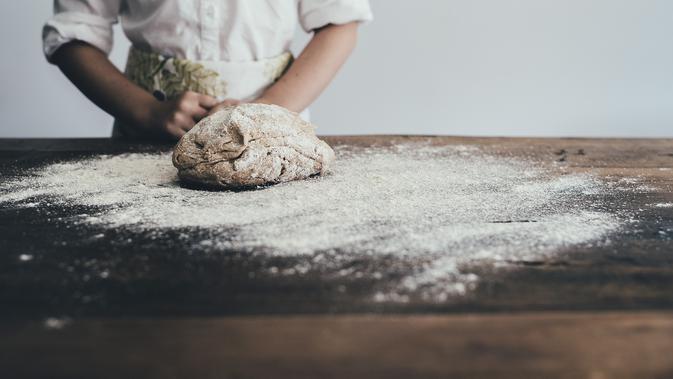 Kegiatan Produksi Roti (Image by Pexels from Pixabay)
