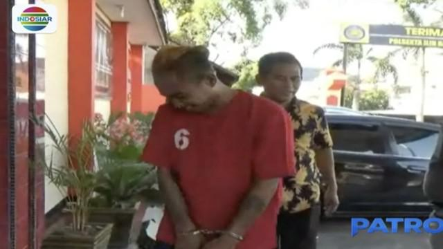 Korban yang memasang kamera pengintai di rumahnya langsung menghubungi tetangga dan melapor ke polisi setelah mengetahui ada aksi pencurian di rumahnya.