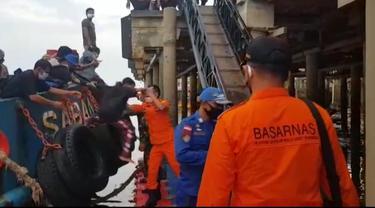 Basarnas Evakusasi Penumpang Selamat