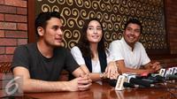 Arifin C. Putra, Tatjana Saphira dan Chicco Jerikho saat menghadiri acara launching poster film Negeri Van Oranje. [Foto: Herman Zakaria/Liputan6.com]