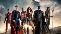 Sementara itu Justice League sendiri menerima rating B+ di CinemaStrore. Film ini pun dinilai mengecewakan dengan pendapatan yang jauh lebih kecil dari film DC lainnya yakni, Wonder Woman. (justiceleaguethemovie)